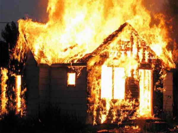 Chiêm bao thấy cháy nhà